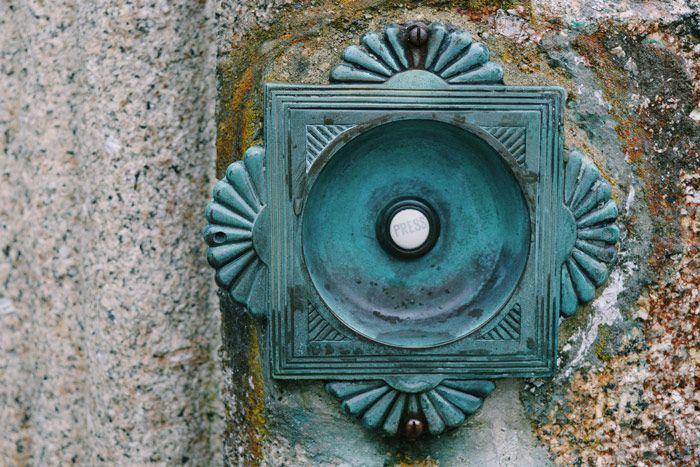 Doorbell - Simple mechanical device