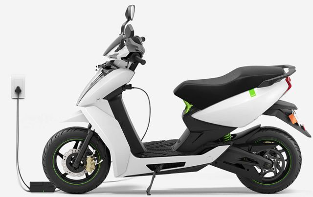 The Ather 450 intelligent electric scooter.